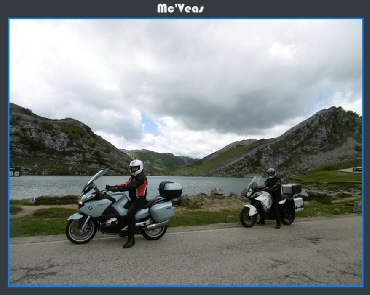 Motos frente a lago Enol